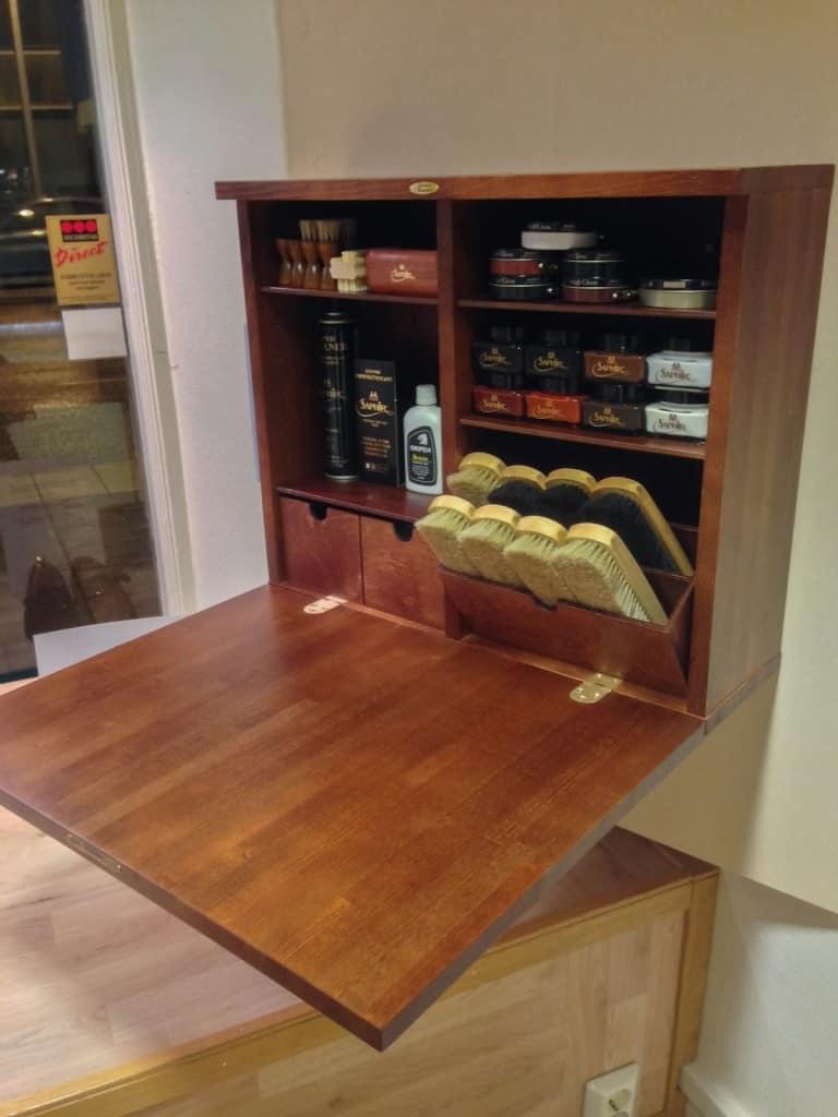 Här är skovårdsskåpet som Marcus utvecklat, och som görs av en möbelsnickare i Tibro.