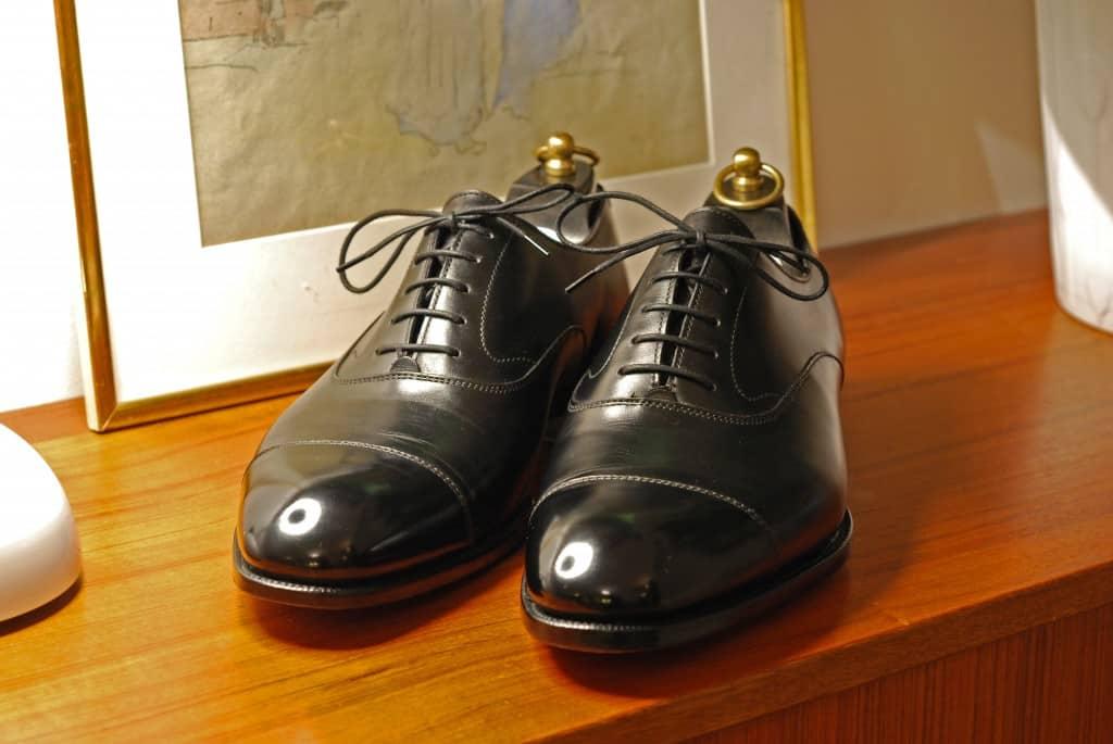Till sist några bilder på skorna och hur de ser ut efter att ha använts ett tiotal gånger, dock mestadels inomhus på kontoret eller i galoscher, men i alla fall.
