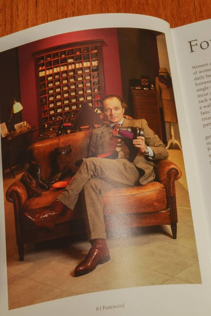 Författaren själv, Bernhard Roetzel, som gett ut flera titlar på förlaget H.F. Ullman. Samma förlag som också gett ut Lazslo Vass bok Herrskor/Handmade Shoes for Men.