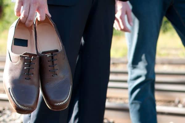 Det är kanske inga skor man bär på bankkontoret, men som så här en ledig sommardag så känns de riktigt trevliga. Utöver skorna har Viktoria Nilsson en del läderaccessoarer i utbudet som ipadfodral och plånböcker. Alla bilder: Viktoria Nilsson Shoemaker
