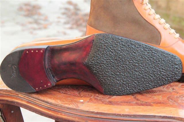6256eed32c9 ... jobb som med lädersula. Men det finns vissa tillverkare som löser det  med att lägga gummi bara halva vägen, som exempelvis Meccariello gjort  nedan: