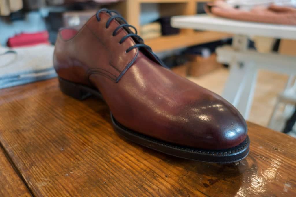Edward Greens rena PTB-variant, i burgundy och med enkel lädersula, vilket är ovanligt på den här modellen som oftast kommer med Dainite-sula och storm welt.