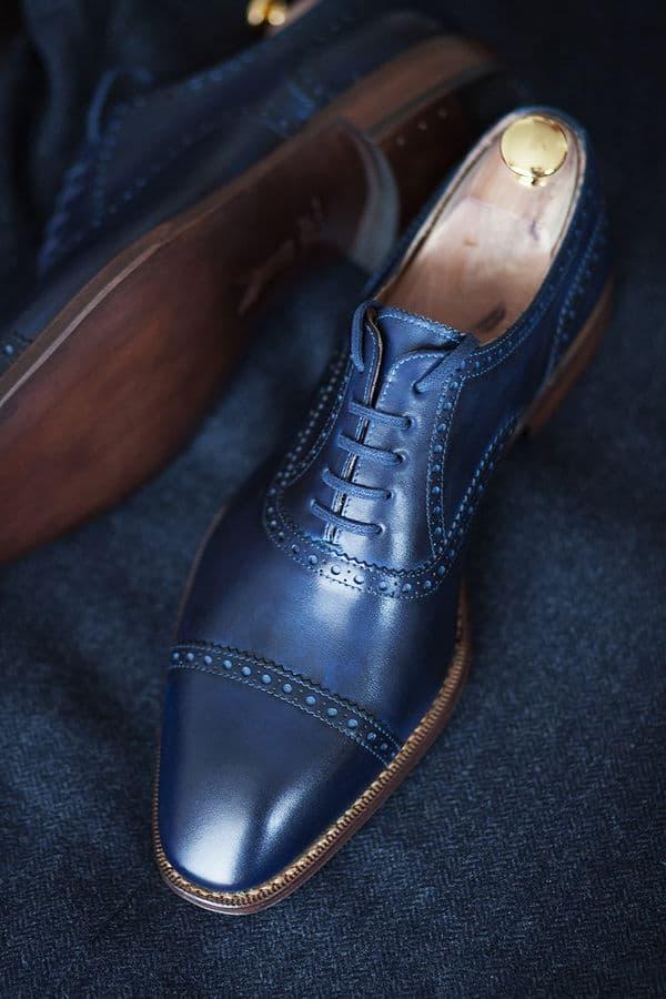 """Yanko erbjuder också skor som är helt ofärgade, i rent """"crust""""-läder. Här har en kund färgat de på egen hand.  Bild: Styleforum"""