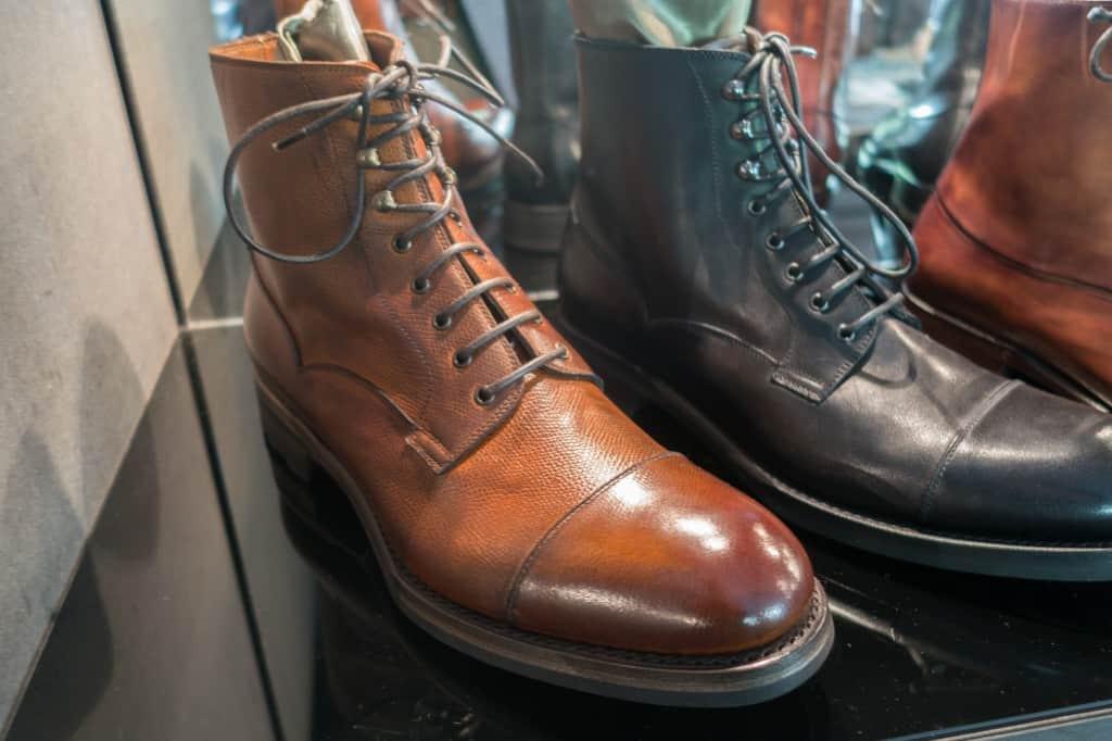 Derby boot i hatch grain-läder från Sassetti.