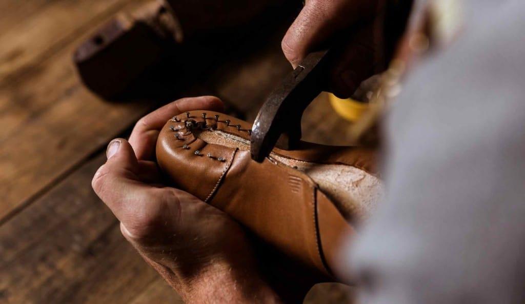 Två mycket framstående bespokeskomakare, Janne Melkersson och Carina Eneroth, kommer göra handgjorda skor live under eventet.