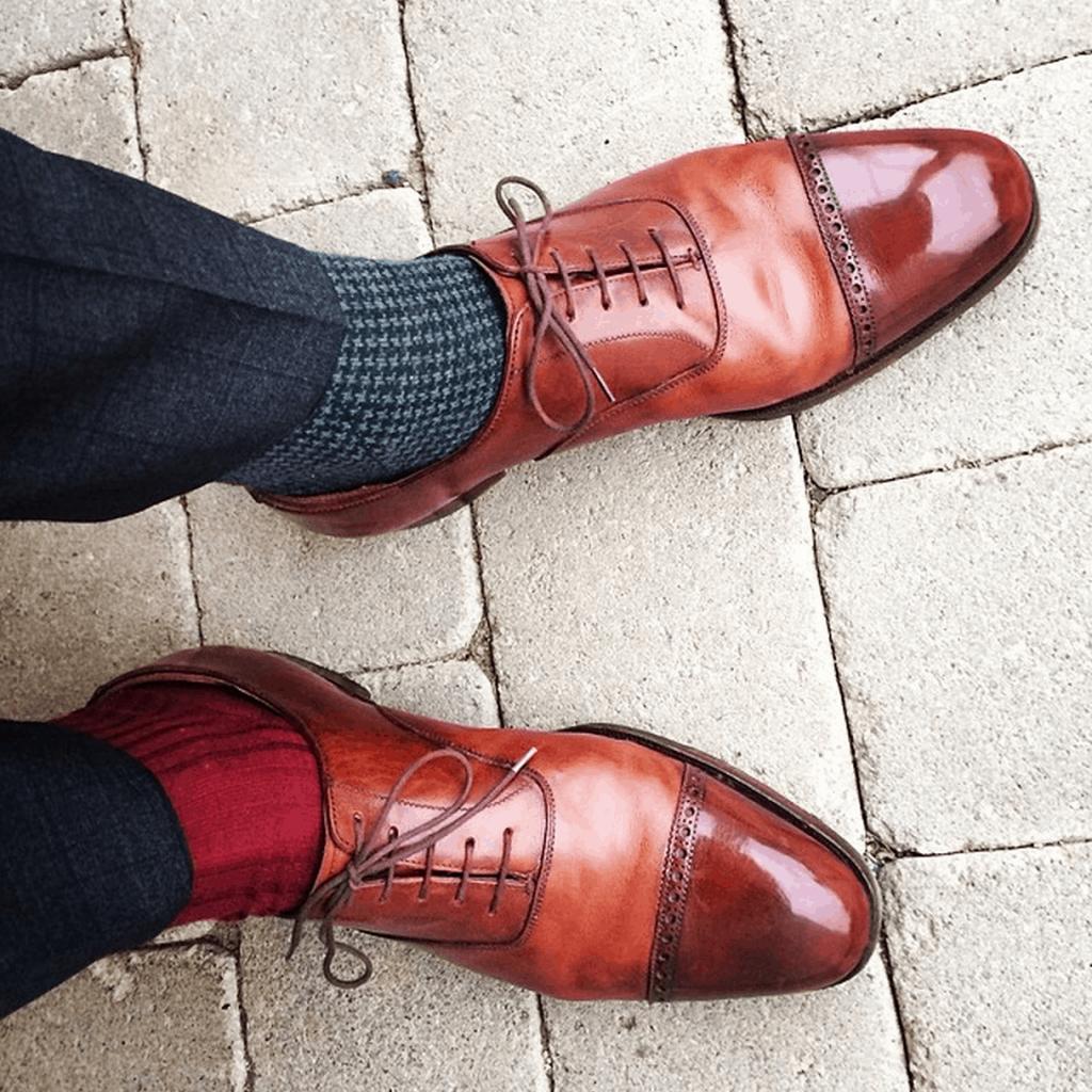 """Tema """"Different socks"""" - RolleFC (rollefc). En av Shoegazings moderatorer glänser ofta på Instagram med sina alltid utmärkt putsade skor."""