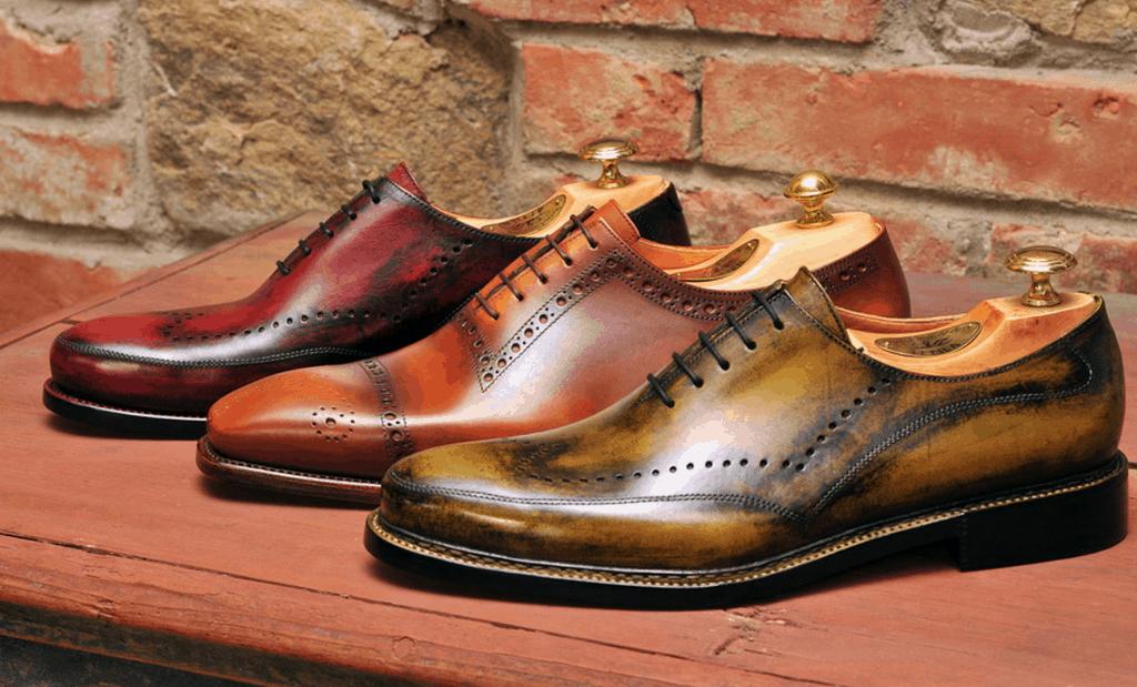 Handgjorda skor från ungern, som minsann också ska vara mycket bra och prisvärda.