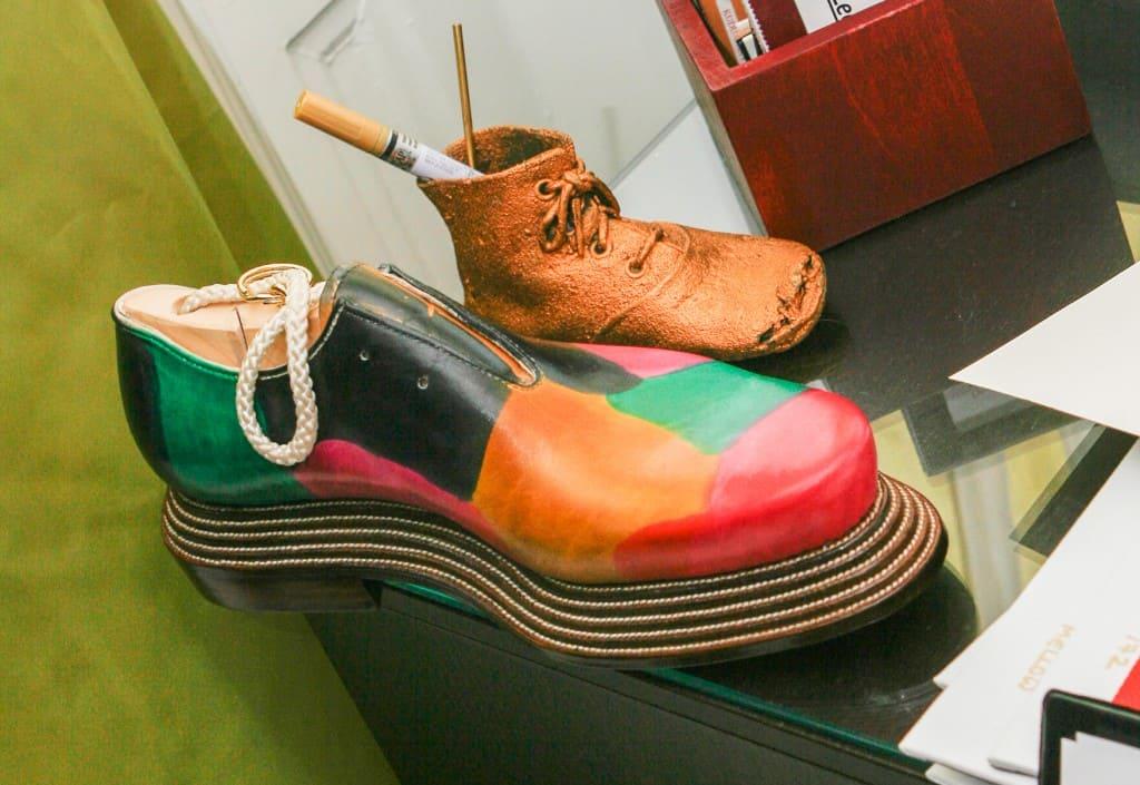Galna skor från Maftei, på alla sätt och vis.