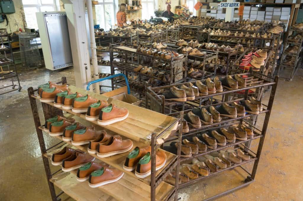 Läster i mängder i skoindustrimuseets fabriksdel.