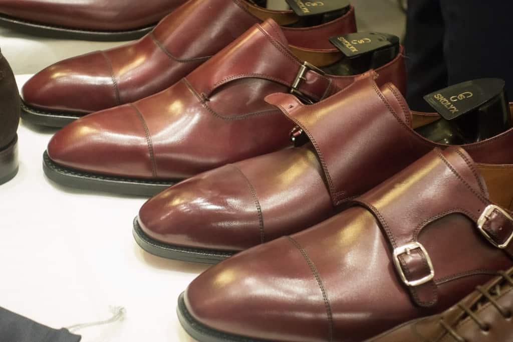 Läckra munkskor. Burgundyfärgen som single monk-skorna är i är ljuvlig.