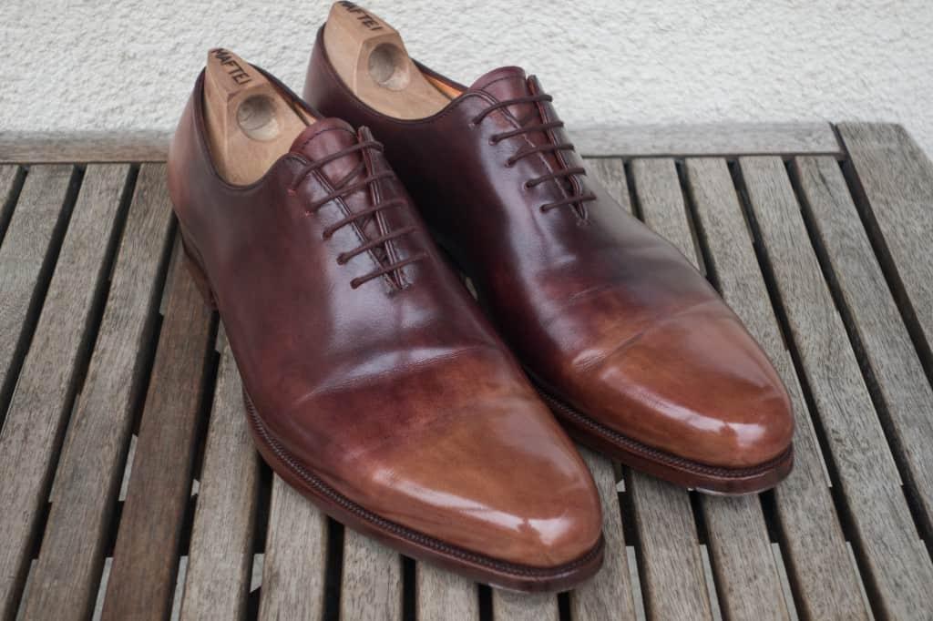 Efter att skorna putsats upp var de så här fina igen. En del av färgen från tårna kom av och gjorde nyansskillnaden lite större, så får jobba lite med pigmenterad kräm och polish framöver för att jämna ut det lite.