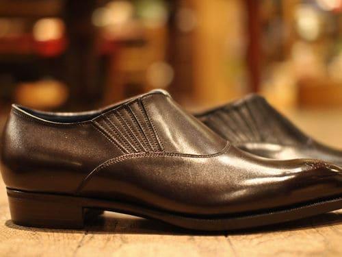 """RTW lazy man från Central Shoes, som trots relativt låg prissättning har detaljer som den inåtlutande, """"tapered"""", klacken."""