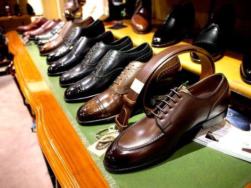 Miyago Kagyo gör riktigt fina RTW-skor med handrandsöm.