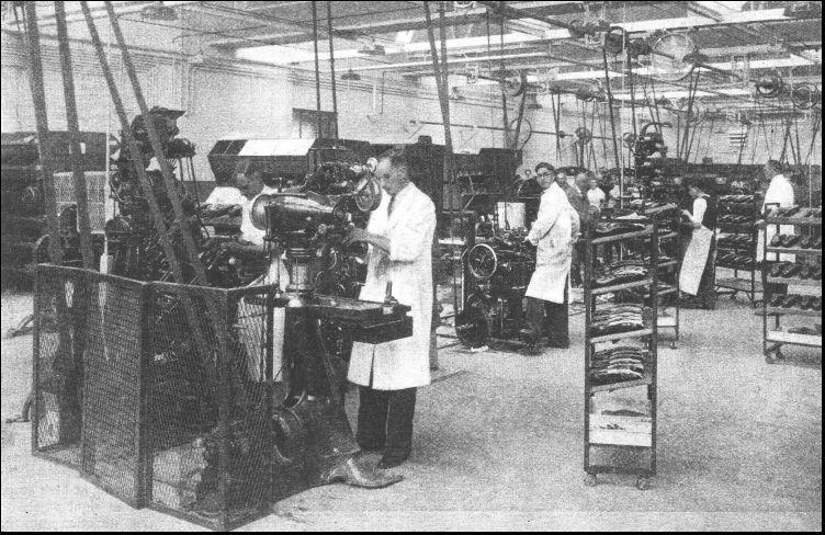 Blake - historic factory från engwonders