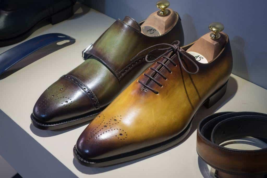 Patinering på skor från Andrés Sendra.