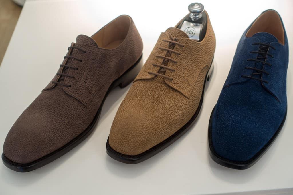 Intressant material som jag inte sett tidigare, en sorts grain-mocka, som The Left Shoe Company har i tre olika nyanser.
