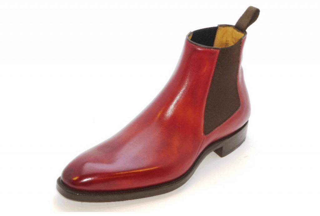 Chelsea boot från standardlinjen också gjord på Z160-lästen, målad i röda nyansen Alentejo.