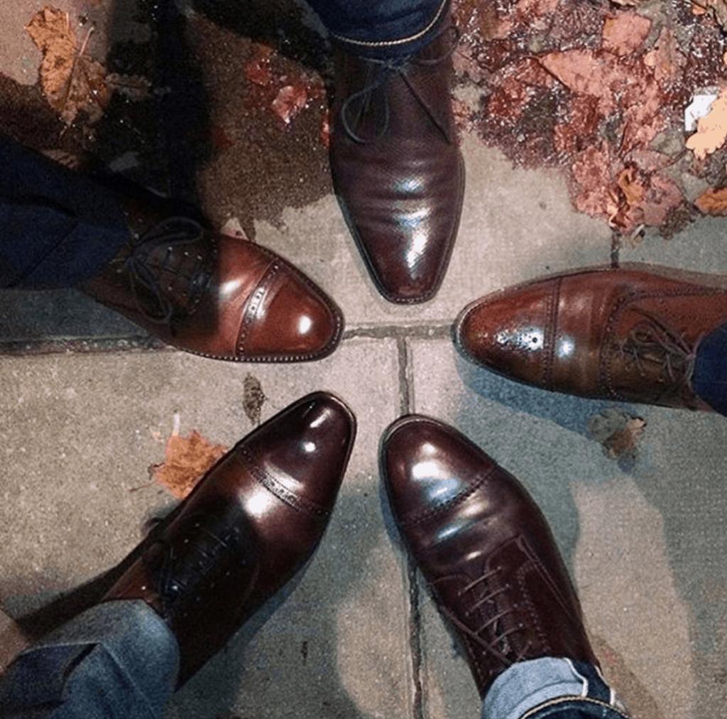 Bild på några av de som var med på senaste Shoegazing AW:n i Stockholm, tagen av en av Shoegazings allierade Niklas Nordin som blivit lite av samordnare för Stockholmsversionerna av after worken. Bild: Niklas Nordin