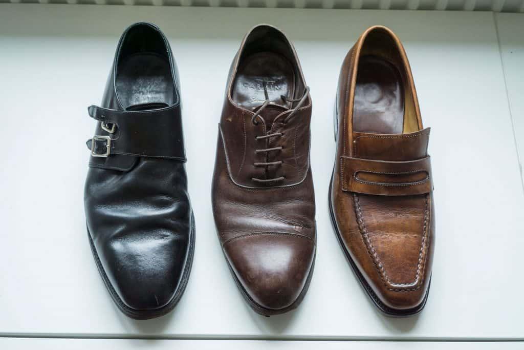 Som synes är Loake och Carmina-skorna mycket väl använda och slitna. Scafora-paret har också de gått en hel del, men var i lite bättre skick.