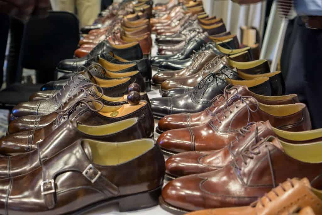 ...och spanade in hundratals skomodeller från sju olika tillverkare.