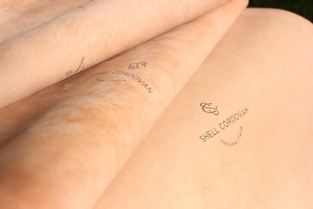 Märkning på hudarnas baksida.