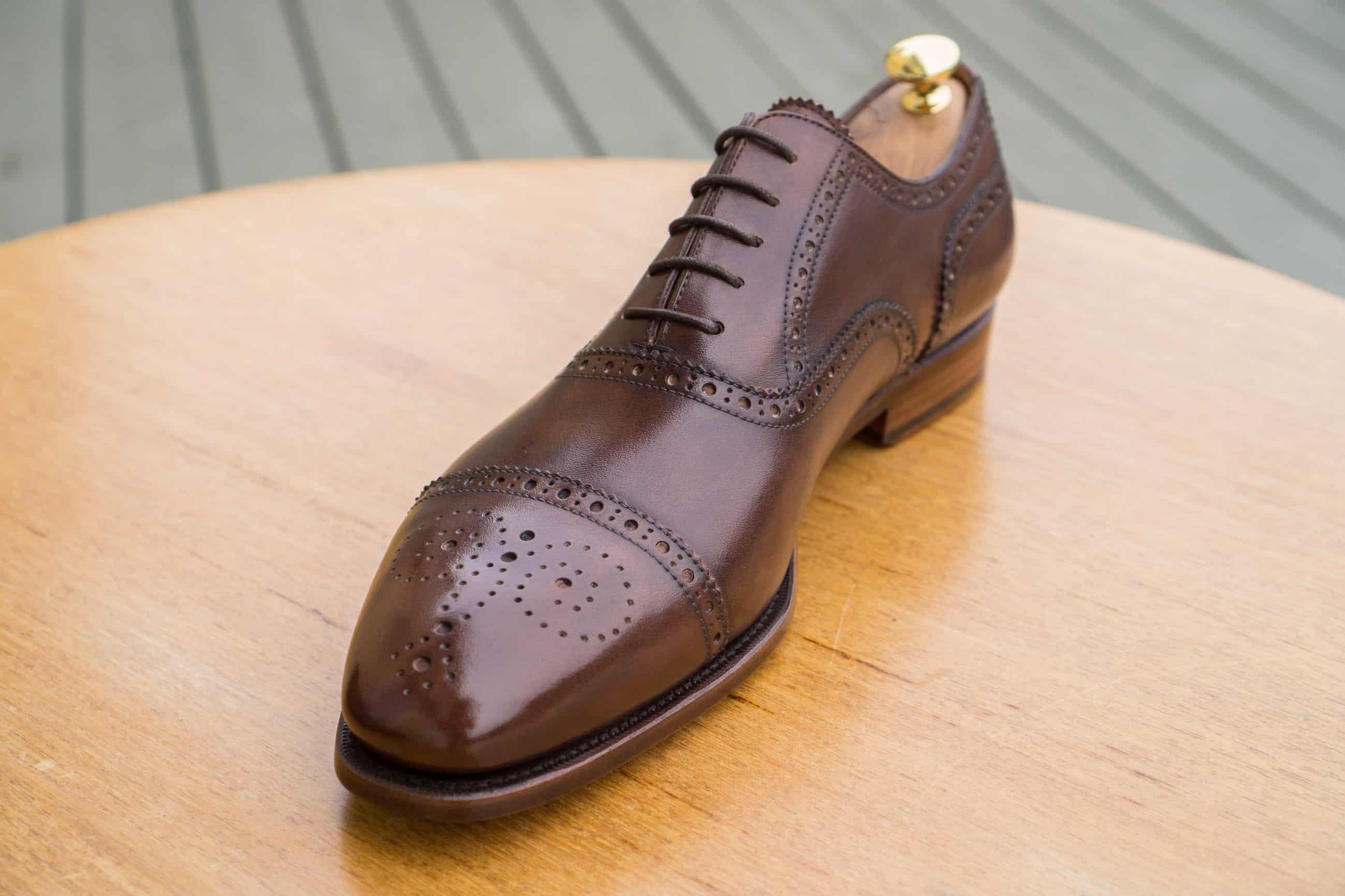 f3db4862d17 Lädret på dessa är rätt grovt med stora porer, och använde det på skorna  när de var helt nya, så kanske inte ultimat testobjekt.